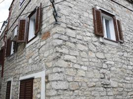 Apartments Stonehouse, hotel in Vodice