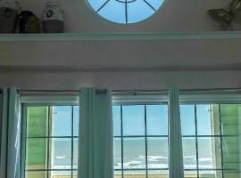 Beachfront luxury at Dawn 1036