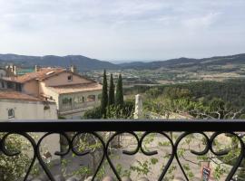 Appartement 1 chambre, 4 pers LE CASTELLET, hotel in Le Castellet