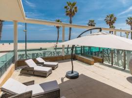 Luxury Beach Apartment with Pool, hotel with pools in Valencia