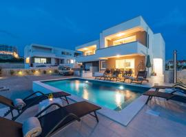Adris 2 luxury modern apartment with a pool