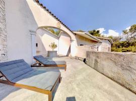 Triestevillas VILLA SISTIANA, sea view, terrace parking spaces, BBQ, for 11guests