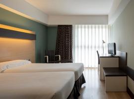 ホテル シウダッド デ ログローニョ