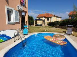 Apartment mit Pool & Garten in Soline, Insel Krk, room in Soline