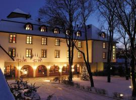 Hotel Na Zamecku – hotel w pobliżu miejsca Centrum handlowe Chodov w Pradze