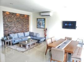 Condominios Sardina 6711 Int 202