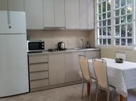 Garden Apartment-73, hotel in Tbilisi City