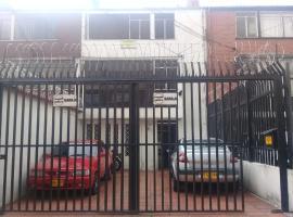 MI CASA PARK WAY, habitación en casa particular en Bogotá
