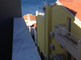 Apartment with sea view & close to the beach