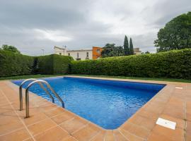 Casa con piscina y parking en Girona