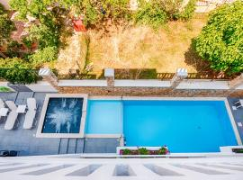 Alexis Hotel, hotel with pools in Chania Town