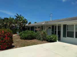 Steps from the Gulf of Mexico, villa in Holmes Beach