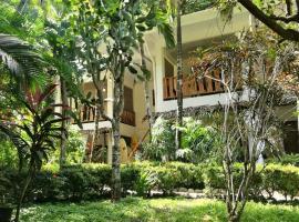 Colibri Surf House & Flats