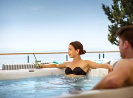 Remisens Hotel Admiral, hotel with pools in Opatija