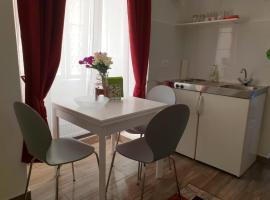 cozy city apartment 5