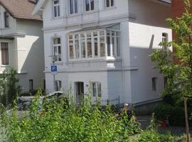 Im Dobbenviertel mit Garten 3 Doppelzimmer 98qm, Unterkunft zur Selbstverpflegung in Oldenburg