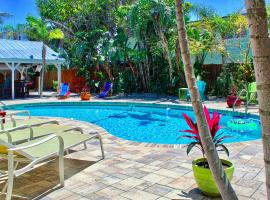 Coconut Grove Beach Resort unit 6, Pool, Free Wi-Fi & Parking