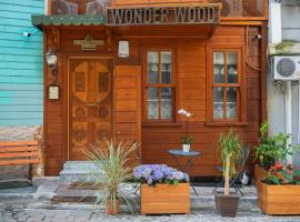 Wonder Wood Hotel