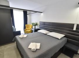 Mono Apartments & Rooms with private parking near by, hotel in Zadar