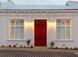 Hostal Puerta Roja