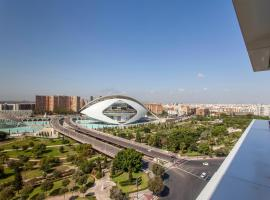 Operaflats Dúplex, hotel with pools in Valencia