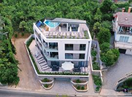 Apartments in Villa Ziza, rooftop swimming pool, hotel with pools in Opatija
