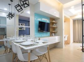 Deluxe apartment direct opposite from Terminal 3 International Airport