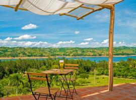 Villas del Lago Lake Resort & Campground, glamping site in Yaque Arriba