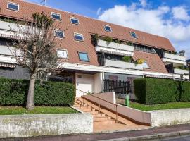 Apartment Olympe.2, budget hotel in Cabourg