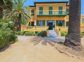 ROC FLEURI - Cap d'Ail, hotel in Cap d'Ail