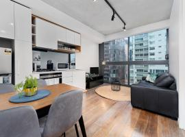 Lovely And Excellent Location 2BR In Melb CBD, budget hotel in Melbourne