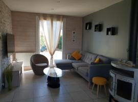 villa proche centre ville / jardin / jacuzzi