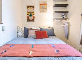 Cute Studio 2 Blocks From Center of Town