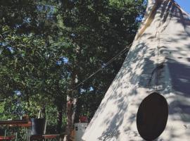 Tipi Lodge dans la Forêt
