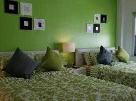 Miami Beach Suncoast apartments VII