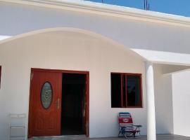 3Trees Hostel, hotel in Treasure Beach