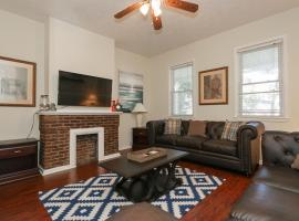 Unbeatable Downtown Location - 5 Beds & Parking!