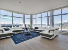 Waterfront Penthouse 3 Bed 3 Bath Pinnacle Area Panoramic Views Huge Private Patios