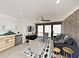 New Listing! Chic Condo In The Heart Of Old Town Condo