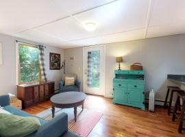 Perfect Cape Cottage, hotel in Falmouth