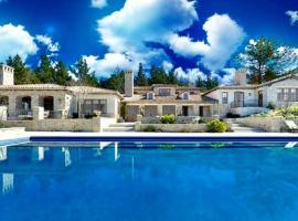 LX1: Chateau D' Renaitre - Carmel-By-The-Sea Luxury Villa