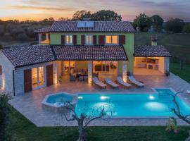 Villa Gardenia with pool, garden and jacuzzi