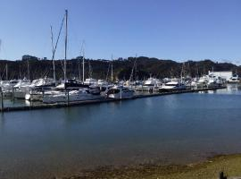 Central Pier, hotel in Whitianga