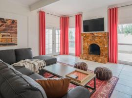Airy 3BR Townhome South of Old Town by WanderJaunt