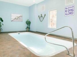 Dreamy Smokies Cabin w/ indoor pool & hot tub
