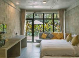 Larimar Hotel & Resort