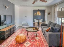Stylish 3BR Home in Phoenix by WanderJaunt