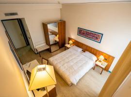 Le Stanze di Piazza Cairoli, hotel in Messina