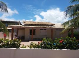 Casa para temporada a 200 m da praia em condomínio fechado