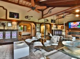 Luxury, Serenity & Views on 1 Acre